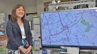 鴫原育子社長と開発したバスロケーションシステム「見えバス」の画面=2017年7月28日、田中学撮影