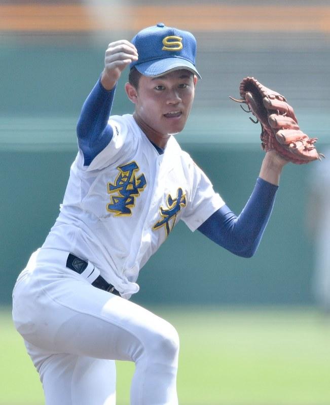 夏の高校野球:「グニャッと曲がる変化球」聖光学院・斎藤 - 毎日新聞