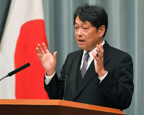 Defense Minister Itsunori Onodera is pictured here shortly after his reappointment to the post on Aug. 3, 2017. (Mainichi)