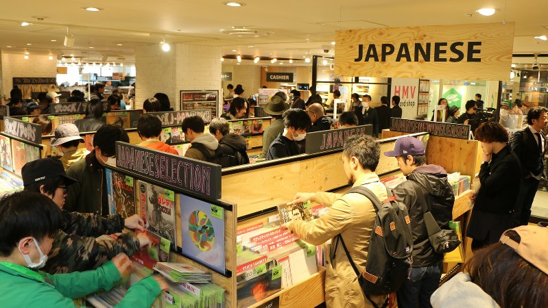 「HMVレコードショップ コピス吉祥寺」のオープンの様子(2017年3月30日)