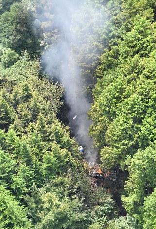 小型機墜落か:山間部で「黒煙」...
