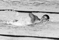 競泳男子1500メートル自由形で金メダルに輝いた寺田登選手の力泳=ベルリンで1936(昭和11)年8月15日、高田正雄本社特派員撮影