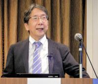 高瀬先生は講演会も数多くこなす。自身の勉強にもなるという=堀井恵里子撮影