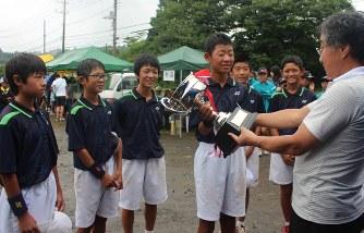 ソフトテニス:山中湖ワールドジ...