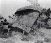 独ソ戦で破壊されたソ連軍戦車の残骸=1941年10月