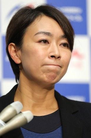 民進党:山尾氏離党届、衆院3補...