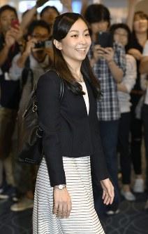 短期留学のため、英国に出発される秋篠宮家の次女佳子さま=羽田空港で、2017年9月12日午前11時24分(代表撮影)