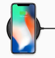 アップルが発表した新製品「iPhone(アイフォーン)X(テン)」