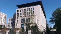 国家インターネット情報弁公室が入る建物。ネット監視の目を強めている=北京市で2017年9月11日、赤間清広撮影