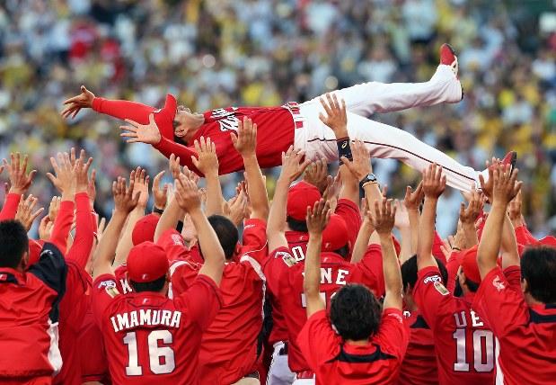 プロ野球:広島 2度目のセ・リーグ連覇 - 毎日新聞