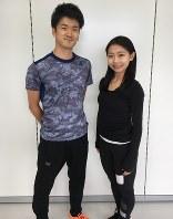 トレーニングコーチの酒井翔平さん(左)と中塩美悠さん=中塩さん提供