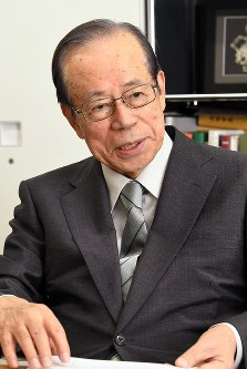 Former Prime Minister Yasuo Fukuda speaks in Tokyo's Minato Ward on Sept. 14, 2017. (Mainichi)