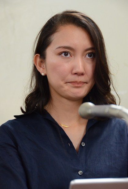 Shiori is seen at a press conference in Tokyo's Chiyoda Ward after filing her request to a committee for the inquest of prosecution, on May 29, 2017. (Mainichi)