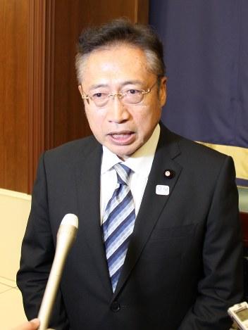 衆院選2017:3区 渡辺喜氏、出馬...