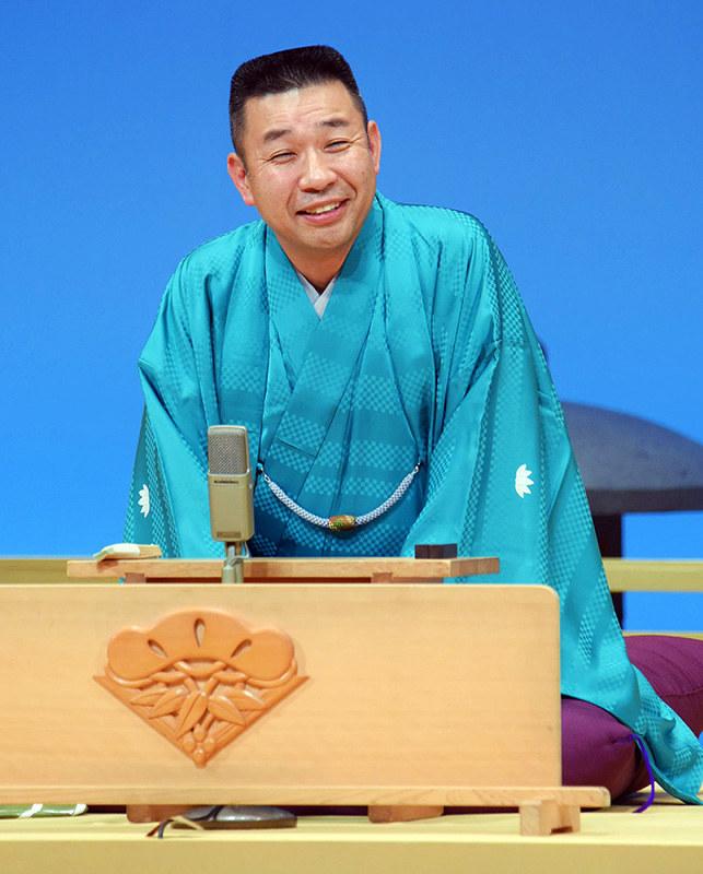 落語:七代目松喬襲名 笑福亭三喬さん、披露公演 - 毎日新聞