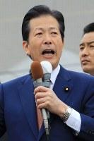 第一声をあげる公明党の山口那津男代表=北海道岩見沢市で2017年10月10日午前11時3分、梅村直承撮影