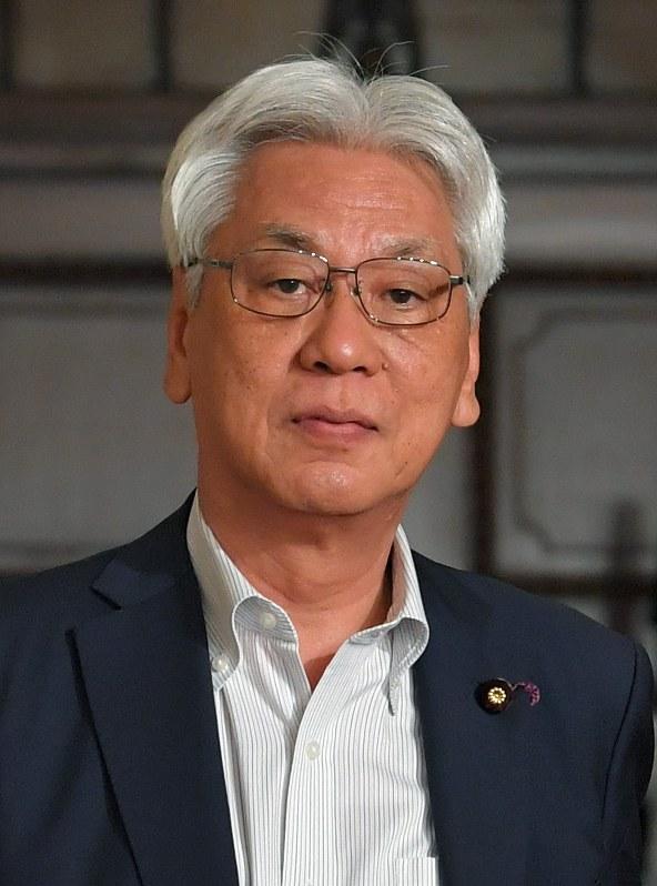 民進:参院で存続へ 小川会長「リベラル勢力を再結集」 | 毎日新聞
