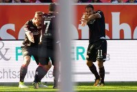 """""""かめはめ波""""でゴールを祝ったウニオン・ベルリンMFゴキア(右)ら [写真]=City-Press GbR via Getty Images"""