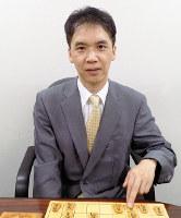 2017年5月、棋士会副会長に就任。「もっともっとファンが楽しめる将棋界にしたい」と話す畠山鎮七段=大阪市福島区の関西将棋会館で、新土居仁昌撮影
