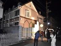 遺体が見つかったアパート=神奈川県座間市で2017年10月31日午前0時25分、西本勝撮影