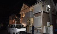 遺体が見つかったアパート=神奈川県座間市で2017年10月31日午前0時21分、西本勝撮影