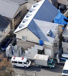 9人の遺体が見つかったアパート=神奈川県座間市で2017年10月31日午後2時21分、本社ヘリから