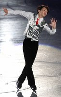 エキシビションで演技を披露する友野一希=大阪市中央体育館で2017年11月12日、佐々木順一撮影