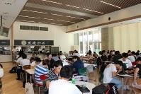 重慶厨房の店内。席数は100席あり、平日の昼食時はいつも満席になるという