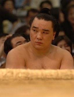 取り組みを待つ安馬=大阪府立体育会館で2007年3月23日、梅村直承撮影