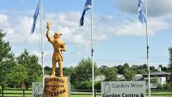 スコットランドのピーターパン像=2011年8月撮影