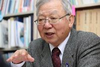「72年できなかった核兵器禁止条約ができたのだから、核廃絶も必ずできる」。木戸季市さんは言葉に力を込めた=東京都港区で