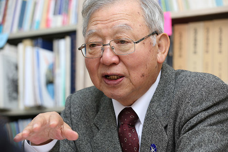 Sueichi Kido is pictured in Tokyo's Minato Ward. He says it will be possible to eliminate nuclear weapons, as the world had formed a treaty that had not been possible to form for 72 years after the atomic bombings of Hiroshima and Nagasaki. (Mainichi)