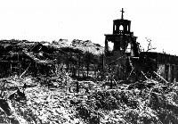 米軍の砲撃で破壊された首里の教会