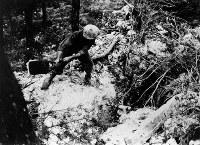 日本軍陣地はトーチカ洞穴防塞をトンネルで連結していた。すべて米軍の攻撃対象に