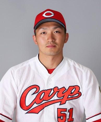 プロ野球:広島、鈴木誠也9000万...