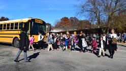 カンザスシティーのウェルボーン小学校で。校舎の老朽化と予算不足に悩んでいる=2017年11月15日、清水憲司撮影