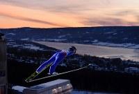 【ノルディックスキーW杯・ジャンプ女子第1戦】 伊藤有希の試技=ノルウェー・リレハンメルで2017年12月1日、宮間俊樹撮影