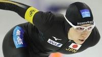 女子500メートルで日本記録を更新し優勝した小平奈緒=カナダ・カルガリーで2017年12月3日、佐々木順一撮影
