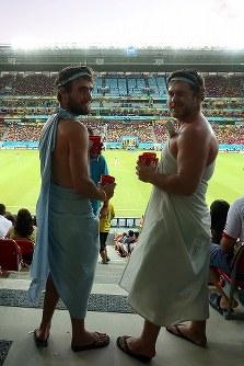 【コスタリカ・ギリシャ】試合を見守るギリシャサポーター=2014年6月29日、ゲッティ
