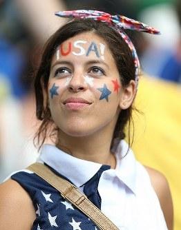 【ベルギー・米国】試合を見守る米国サポーター=ブラジル・サルバドルのフォンチノバ・アリーナで2014年7月1日、小出洋平撮影