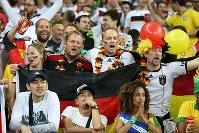 【ブラジル・ドイツ】盛り上がるドイツサポーターら=2014年7月8日、ゲッティ