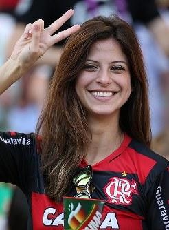 【ドイツ・アルゼンチン】笑顔のドイツサポーター=ブラジル・リオデジャネイロのマラカナン競技場で2014年7月13日、小出洋平撮影