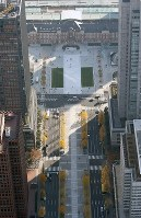 整備工事が完了した東京駅丸の内駅前広場=東京都千代田区で2017年12月7日午前9時26分、本社ヘリから宮武祐希撮影