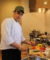 「日本で料理人として活躍したい」と話すパレスチナ難民のアル・マフムード・ホセイン・アリさん