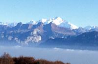 病気に苦しんだスイス人女性、シャンタールさんは安楽死を選んだ。彼女の死後も親族の心は揺れている。写真はアルプス山脈=玉本英子さん撮影