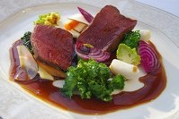 A dish of roasted wild deer. (Photo courtest of the Ministry of Agriculture, Forestry and Fisheries)