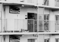 家族4人が他殺体で見つかった被害者宅=千葉県市川市で1992年3月6日午前