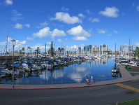 Boats are moored at Ala Wai Yacht Harbor in Honolulu on Nov. 13, 2017. (Mainichi)