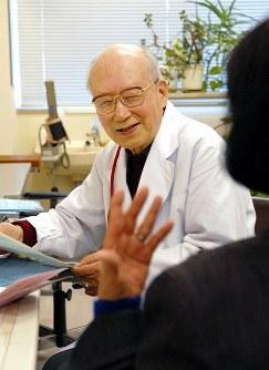 医師・肥田舜太郎さん=2007年、西村剛撮影