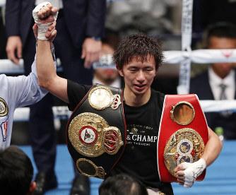 ボクシング:トリプル世界戦 田...